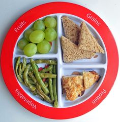 #MyPlate dinner Green beans, pecan chicken, grapes, and whole wheat bread.