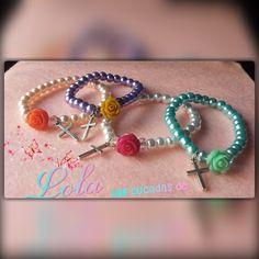 pulseras de perlas y rosa especial comuniones