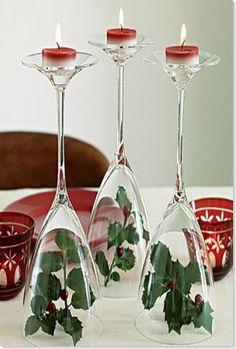Ideas con copas de cristal para decorar la mesa en navidad