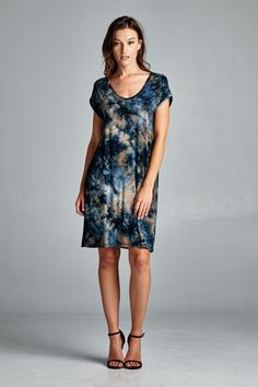 D5038 Loose fit, short dolman sleeves, round neck dress. Length is above the knee. Has center back seam. This dress is made with medium weight tie dyed jersey that is soft and drapes well. This fabric has great stretch. Fabric : 95% Rayon, 5% Spandex Made In : U.S.A