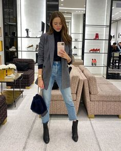 Outfits 2019 Outfits casual Outfits for moms Outfits for school Outfits for teen girls Outfits for work Outfits with hats Outfits women Winter Fashion Outfits, Fall Winter Outfits, Work Fashion, Autumn Winter Fashion, Classy Outfits, Chic Outfits, Valeria Lipovetsky, Mode Ootd, Look Blazer