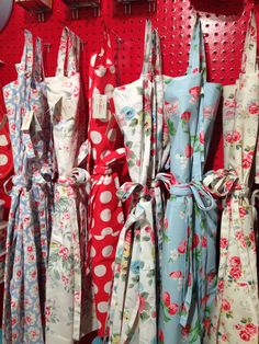 Every mum needs a staple apron - Cath Kidston has a fantastic range #mothersday