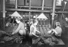 Linen Ladies: Reclaiming Ireland's female textile heritage - The Costume Society Northern Irish, Northern Ireland, Folk Music, Winter Scenes, Loom, Image, Dna, Spinning, Folk
