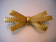 1940s 3D Bow Pin by KittyCatShop on Etsy, $7.99