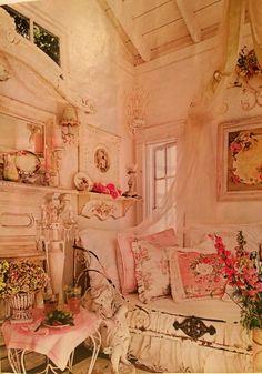 Feminine vintage bedroom