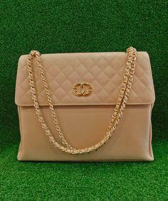 Τσάντα Chanel Με Χρυσή Αλυσίδα