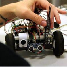 Les participants au 4ème hackathon organisé par Supinfo Lyon auront 24 heures pour développer des applications spécifiques à la robotique . Crédit: D.R.