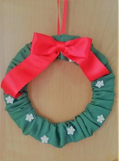 Christmas sewn wreath - classic