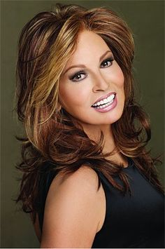 Learn how Raquel Welch lace front wigs make you beautiful. Raquel Welch lace front wig is the oportunity to create any style you want. Rachel Welch, Curly Wigs, Human Hair Wigs, Raquel Welch Wigs, Long Wigs, Synthetic Wigs, Brazilian Hair, Belle Photo, Hair Pieces