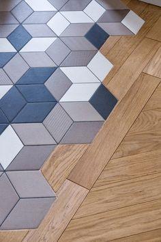 Moroccan style interior design idea small terrace shape patio furniture Combination Tiles and Parquet Tips Designs Deco Design, Küchen Design, Floor Design, Tile Design, Design Case, Decoration Design, Tile To Wood Transition, Transition Flooring, Wooden Flooring