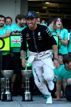 Lewis Hamilton Photos Photos - F1 Grand Prix of Japan - Zimbio