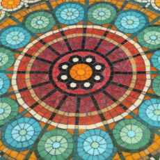 Detalle mandala piso Mural Mosaiquismo Mosaic Glass, Mosaic Tiles, Mosaic Outdoor Table, Mosaic Artwork, Stained Glass Designs, Mosaic Projects, Dot Painting, Abstract, Knot