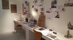 Oficina con ideas on the wall