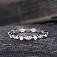 Art déco Alliance femme or blanc diamant éternité bague bijoux anciens délicate promesse nuptiale Dainty anniversaire cadeau d'empilage * GRAVURE GRATUIT ! * COMMANDE * COMMANDE URGENTE * 30 JOURS GARANTIE GRATUITE ! * PLAN DE VERSEMENT * ENSEMBLE DE L'ANNEAU PEUT ÊTRE FAIT ! Même