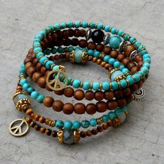 Create Fascinating & Dazzling Jewelry Pieces Using Wooden Beads - new season bijouterie Turquoise Jewelry, Turquoise Bracelet, Handmade Bracelets, Handmade Jewelry, Unique Jewelry, Beaded Jewelry, Jewelry Bracelets, Bracelet Fil, Memory Wire Jewelry