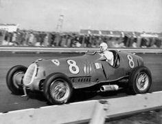 Nuvolari%Alfa+Ferrari.jpg (1600×1227)