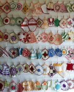 Lovely display of Vintage Potholders! Found at www.maggieweldon.com