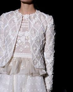Miss time - detailingthedetails: Valentino haute couture … – Miss time - Fairytale Fashion, Christian Lacroix, Fashion Details, Designer Dresses, Valentino, Fashion Outfits, Skirt Suits, Dress Pants, Lace