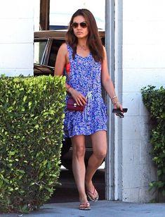 Mila Kunis - Mila Kunis Runs Errands In West Hollywood