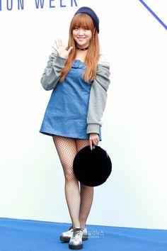 Lime Nara, South Korean Girls, Korean Girl Groups, Pledis Entertainment, Girl Bands, Venus, Denim Skirt, Lime, Kpop