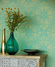€68.90 Price per roll (per m2 €13.25), , Carrier material: Non-woven wallpaper, Surface: Smooth, Look: Shimmering pattern, Matt base surface, Design: Floral damask, Geometrical elements, Basic colour: Turquoise, Pattern colour: Gold, Characteristics: Good lightfastness, Low flammability, Strippable, Paste the wall, Wash-resistant