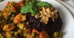 Multi- Kulti- Gemüse- Pfanne mit schwarzem Klebreis ✓ Schwarzer Klebreis mit Kokoschips ☆ Jetzt nachkochen!