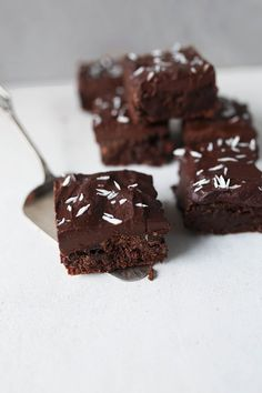 Fudgy vegan double chocolate brownies | Vanillacrunnch | Food & Lifestyle Blogger