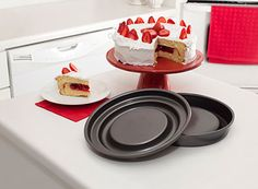 The Mrs. Fields Fill N Flip™ makes filling your round cakes a breeze. Bake, cool, fill, flip and serve!