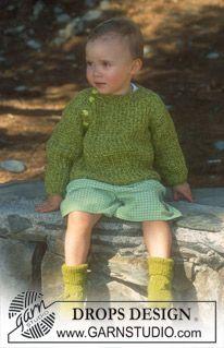 """DROPS Vest of trui met raglanmouwen van """"Camelia"""" en """"Silke-Tweed"""". Maat 1 mnd – 4 jaar. DROPS Sokken van """"Camelia"""". Maat 1 mnd – 2 jaar. ~ ..."""