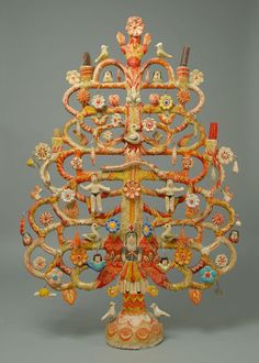 mexican tree of life candelabra - Yahoo Image Search Results Decoration, Art Decor, Sculpture Art, Sculptures, Fachada Colonial, Tree Of Life Art, Mexican Ceramics, Mexico Art, Indigenous Art