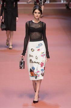 Dolce & Gabbana at Milan Fashion Week Fall 2015 | Stylebistro.com