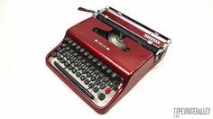 Ruby red OLIVETTI LETTERA 22 typewriter, Olivetti typewriter, vintage typewriter, portable typewriter, red typewriter, gift