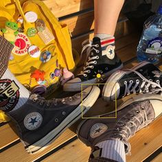 Johnny Stark, Skater Girls, Kinds Of Clothes, My Vibe, Poses, Swagg, Aesthetic Pictures, All Star, Converse Chuck Taylor