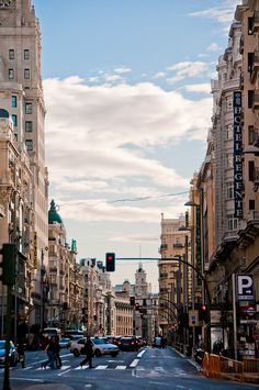 Gran Via by Bracketing Life. Madrid City, Foto Madrid, Places Around The World, Around The Worlds, Places To Travel, Places To Go, Madrid Wallpaper, Paradise On Earth, World Photography