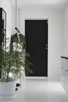 Black and white hallway, black and white interior, black doors, white Black And White Hallway, Black And White Interior, Black Doors, White White, White Walls, Hallway Inspiration, Interior Inspiration, Vestibule, Norwegian House