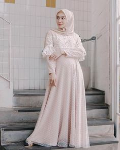 Dress Brokat Muslim, Dress Brokat Modern, Muslimah Wedding Dress, Hijab Style Dress, Abaya Fashion, Muslim Fashion, Dress Muslim Modern, Muslimah Clothing, Dress Brukat