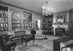 Upstairs library at Hillwood featuring Marjorie Post's TV set.