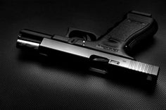 I'm not generally a fan of Glocks, but this photo is quite lovely. Makes the pistol seem very elegant.