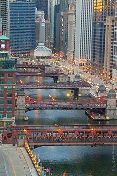 Chicago Riverwalk: Chicago River bridges [ From Cityscape Bar, Holiday Inn] Chicago Usa, Chicago Travel, Chicago City, Chicago Illinois, Travel Usa, Milwaukee City, Chicago Skyline, Places To Travel, Places To Visit