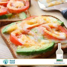 نان چهار برش.سس #مایونز:یک الی دو قاشق غذاخوری.#فلفل قرمز درصورت دلخواه. #گوجه فرنگی.#آووکادو. #پنیر موزارلا.روی برش های نان را با یک لایه نازک سس مایونز پوشش دهید.گوجه فرنگی و آووکادو ی خرد شده  را روی برش ها گذاشته فلفل را اضافه کرده و روی آن ها را کاملا با پنیر بپوشانید . نان ها را به مدت دو الی چهار دقیقه در فر و یا مایکروفر قراردهید تا نان برشته شده و پنیر نیز کاملا ذوب شود.بلافاصله سرو نمایید.