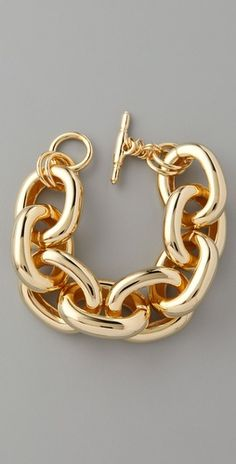 I've got a strange obsession with finding a chunky gold bracelet. Jewelry Gifts, Gold Jewelry, Jewelry Box, Jewelry Accessories, Fine Jewelry, Jewelry Design, Jewlery, Jewelry Making, Link Bracelets