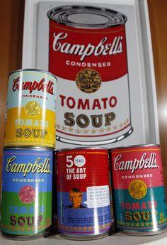 La famosa firma de sopas y cremas enlatadas Campbell's lanzará el próximo mes una edición limitada de sus latas pero con una significativa variante, las etiquetas serán iguales a las de una de las series de pinturas hechas por Andy Warhol y que a la postre se convertirían en un manifiesto sobre su arte y la relación que entabló con la producción en masa a través de sus métodos e ideas.    Fue en el año de 1962 cuando Warhol cambió la trayectoria del arte contemporáneo y retrató en sus…