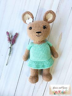 Holly the Honey Bear- A Free Crochet Pattern | Grace and Yarn