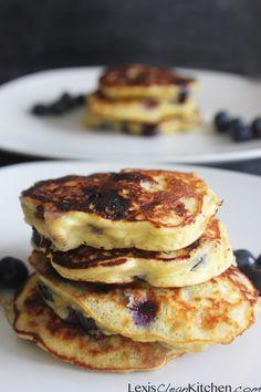Protein Pancakes | Lexiscleankitchen.com #glutenfree #dairyfree #healthy #breakfast