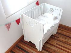Resultado de imagen para moises colecho coco Baby Cribs, Baby Beds, Cot, Kids Furniture, Decoration, Ideas Para, Baby Room, Diy And Crafts, Kids Room