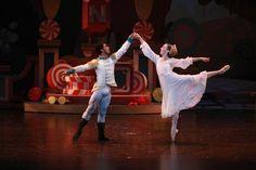 Oklahoma City Ballet Soloist Amanda Popejoy with corps de ballet member Jefferson Payne.