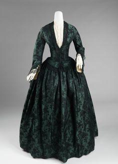 1850–55 Culture: American Medium: silk. So beautiful 1850s Fashion, Victorian Fashion, Vintage Fashion, Victorian Era, Steampunk Fashion, Gothic Fashion, Robes Vintage, Vintage Dresses, Vintage Outfits