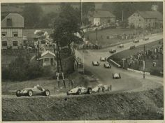 1939. VIII GRAND PRIX DE BELGIQUE, Spa-Francorchamps. Richard Seaman's last race. A sad victory for Lang and Mercedes-Benz.  At the photo first moments of the race, the cars running by Eau Rouge