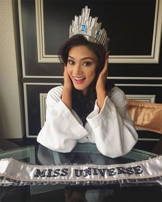 Miss Philippines Pia Alonzo Wurtzbach Is All Smiles Amid Miss Universe Drama. #missuniverse2015 #piaalonzowurtzbach