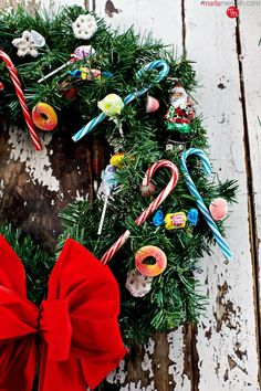 Looking for fun holiday #crafts to make with the kids? Here's How to Make a Candy Christmas Wreath on MarlaMeridith.com ( @marlameridith )